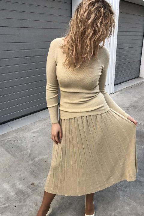 Фото 3 модели 972 Костюм люрекс водолазка с мысиком и юбка-плиссе LUREX - бежевый