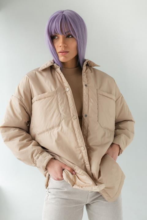 Легкая куртка с оверсайз-кроем