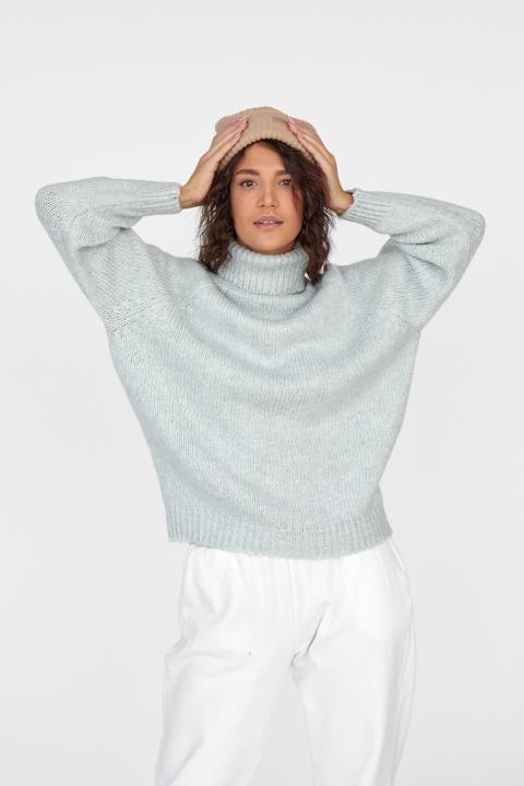 Женский теплый свитер с рукавом реглан и воротником с отворотом