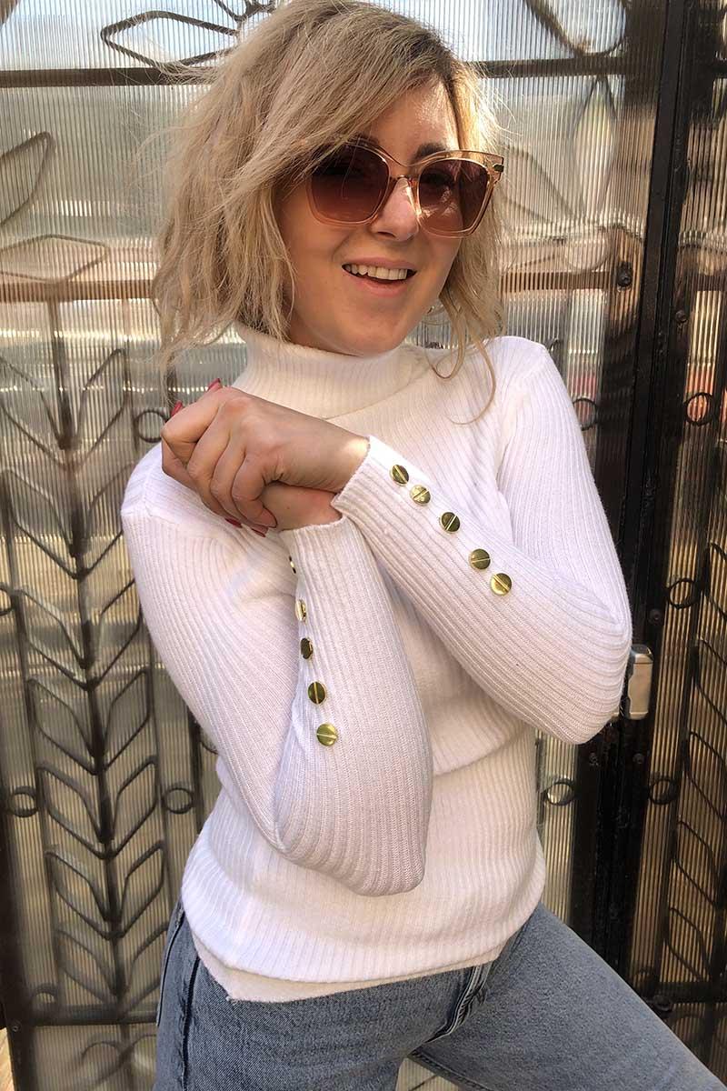 Гольф локшина із золотистими заклепками на рукавах LUREX - білий колір