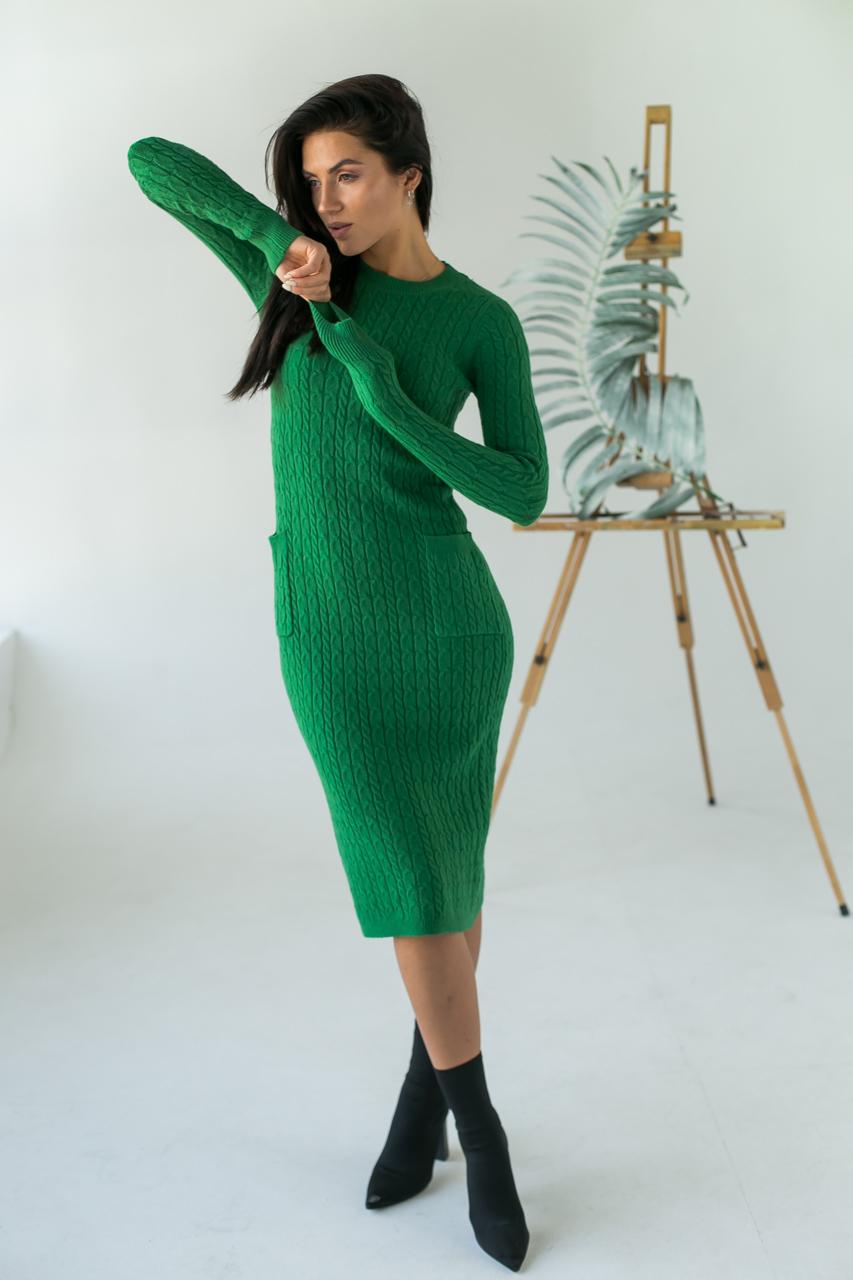 Длинное приталенное платье косичка с карманами ebelieve - зеленый цвет