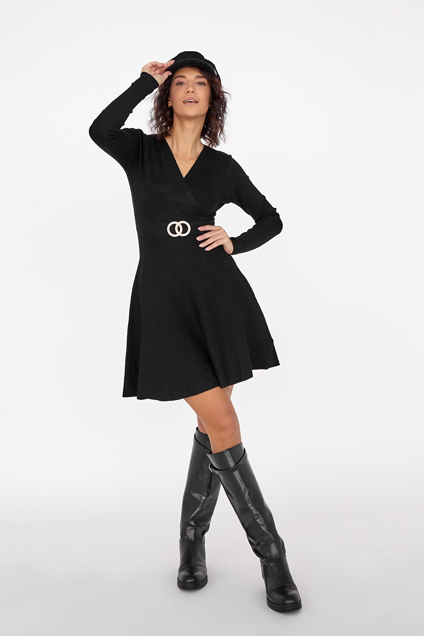 Платье-полусолнце с запахом и кольцами Enzoria - черный цвет