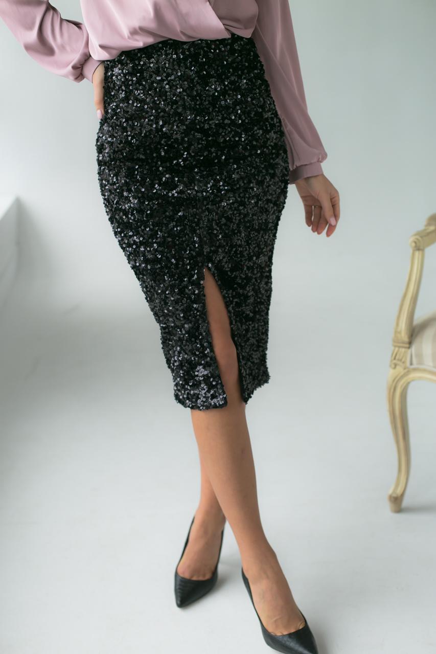 Приталенная велюровая юбка с пайетками Qi Yi - черный цвет