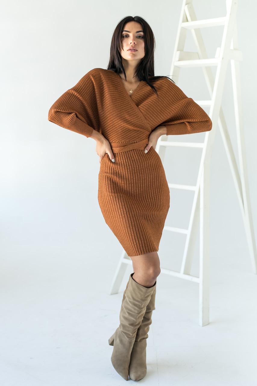 Платье облегающее с глубоким V-образным вырезом и спущенными плечами Jean Louis Francois - св-коричн цвет