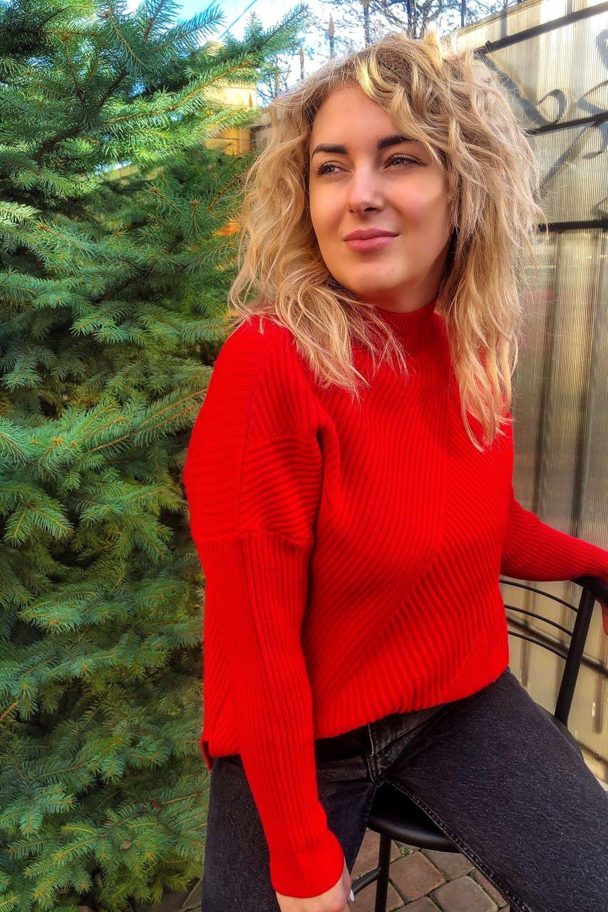 Стильный свитер с геометрическим узором P-M - красный цвет