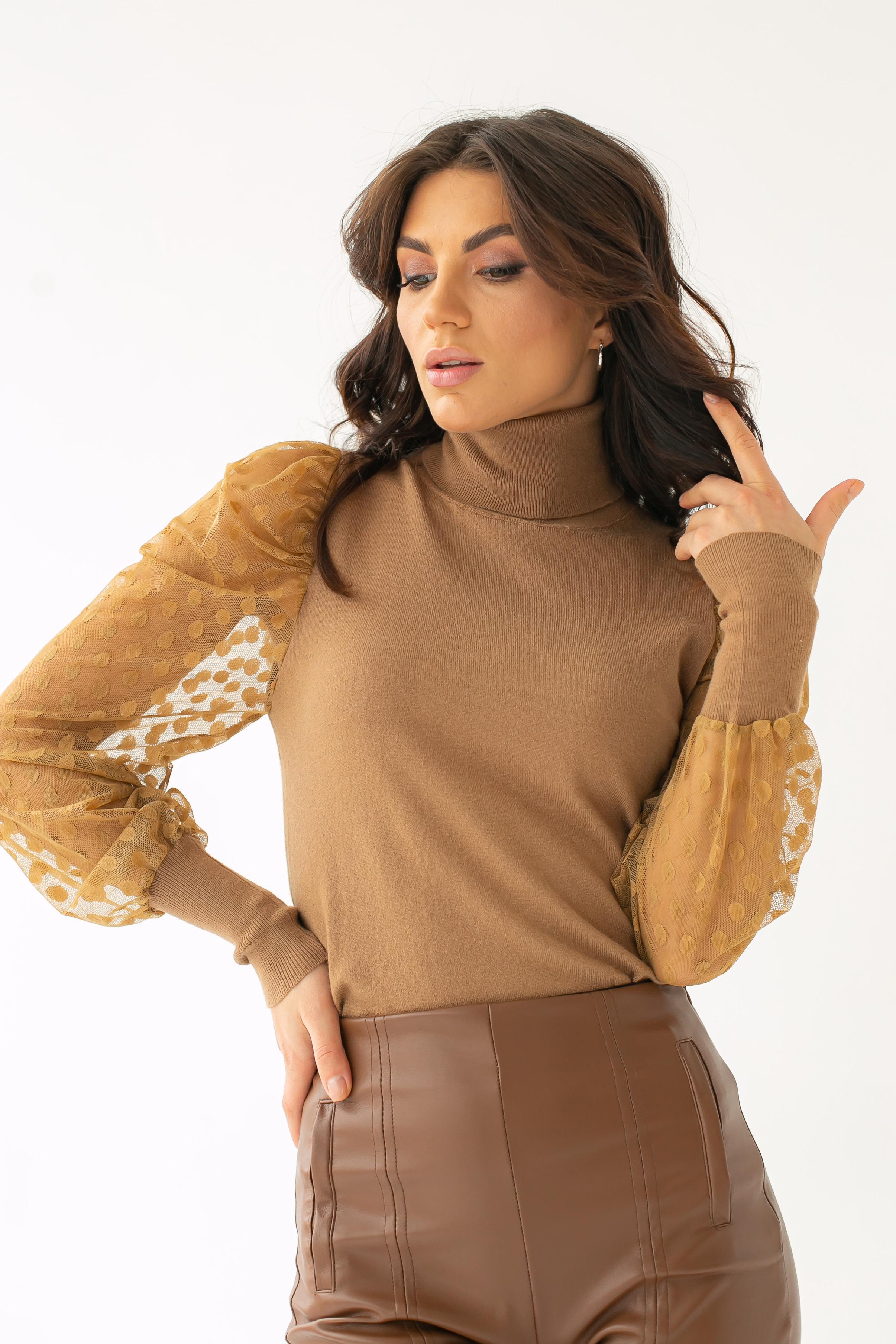 Роскошный свитер с ажурными рукавами декорированными принтом горох Jasmine - кофейный цвет
