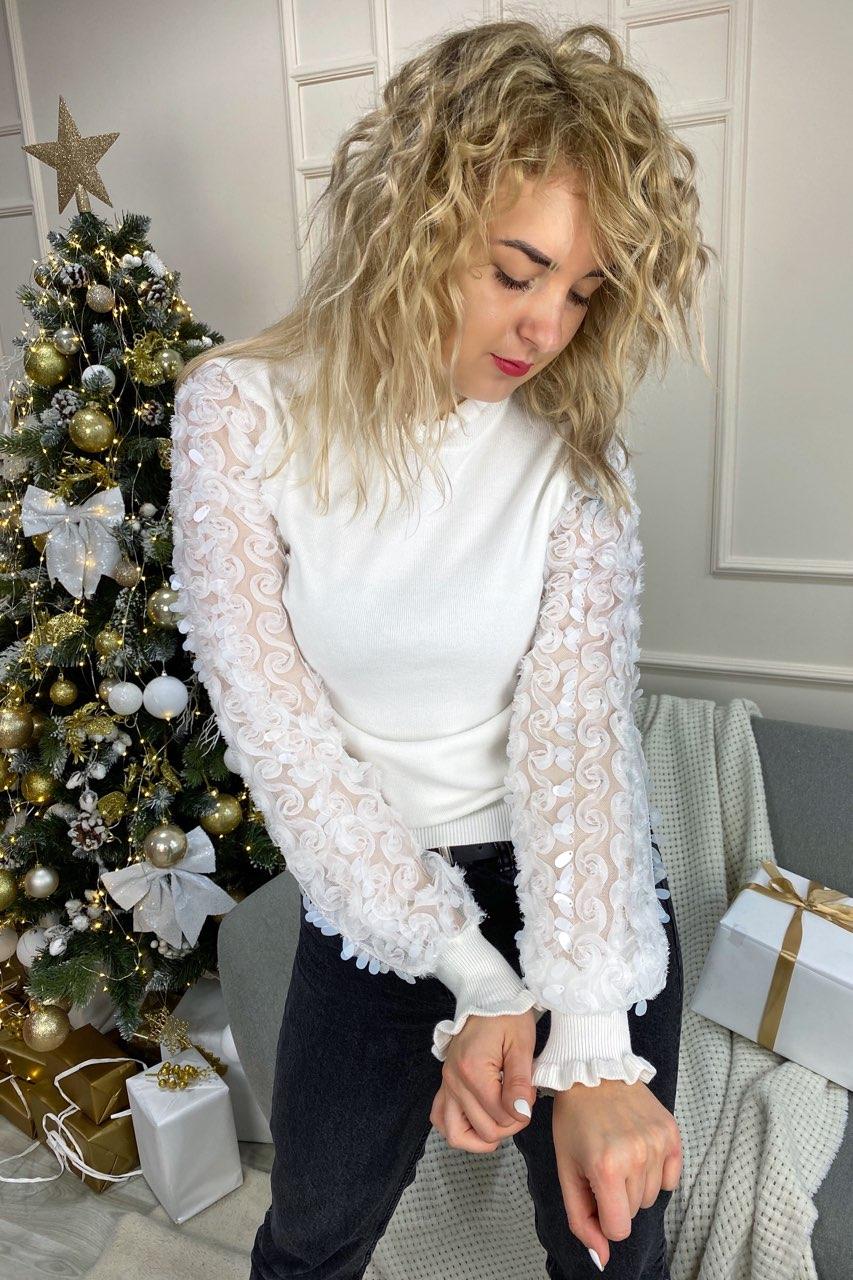 Нарядный свитер с оригинальными объемными рукавами декорированными фатиновой вышивкой и пайетками May - белый цвет