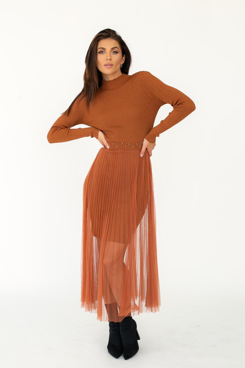 Романтическое облегающее платье из люрекса с фатиновой юбкой декорированное бусинами Jasmine - св-коричн цвет