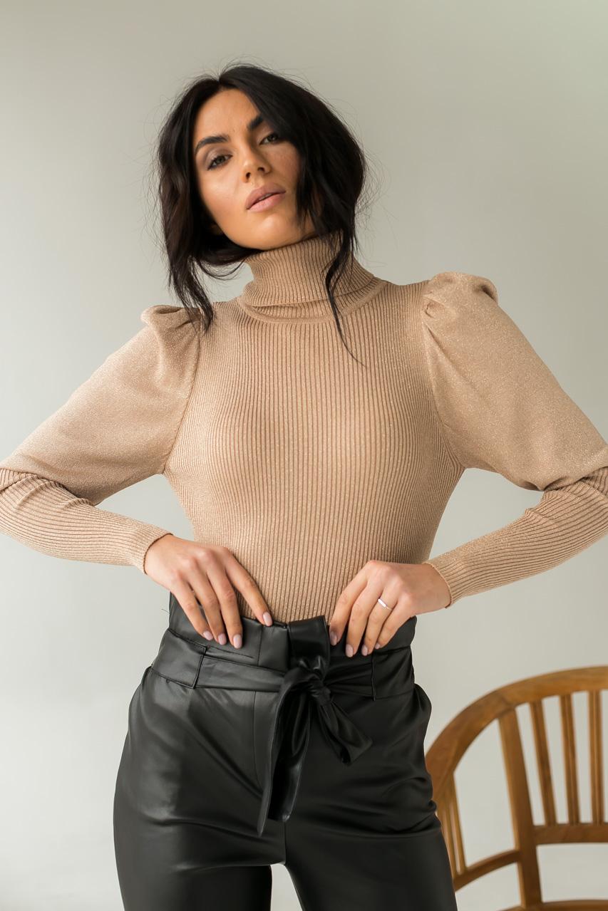 Оригинальный свитер лапша из люрексового полотна с объемными рукавами  Jasmine - кофейный цвет