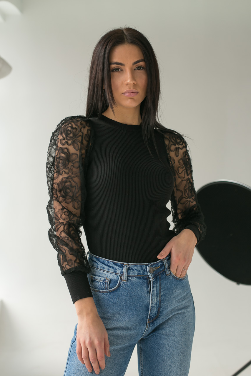 Облегающий джемпер лапша с фатиновыми рукавами  Lovie Look - черный цвет