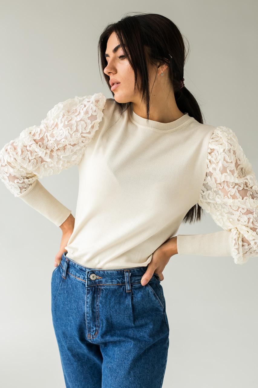 Трендовый джемпер с фатиновыми рукавами объемная вышивка Jasmine - бежевый цвет