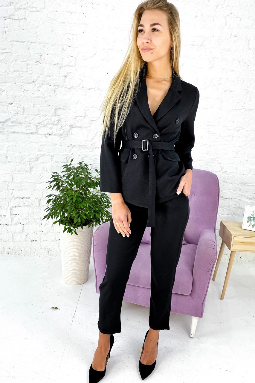 Костюм однотонный укороченные брюки пиджак с поясом  Feel - черный цвет
