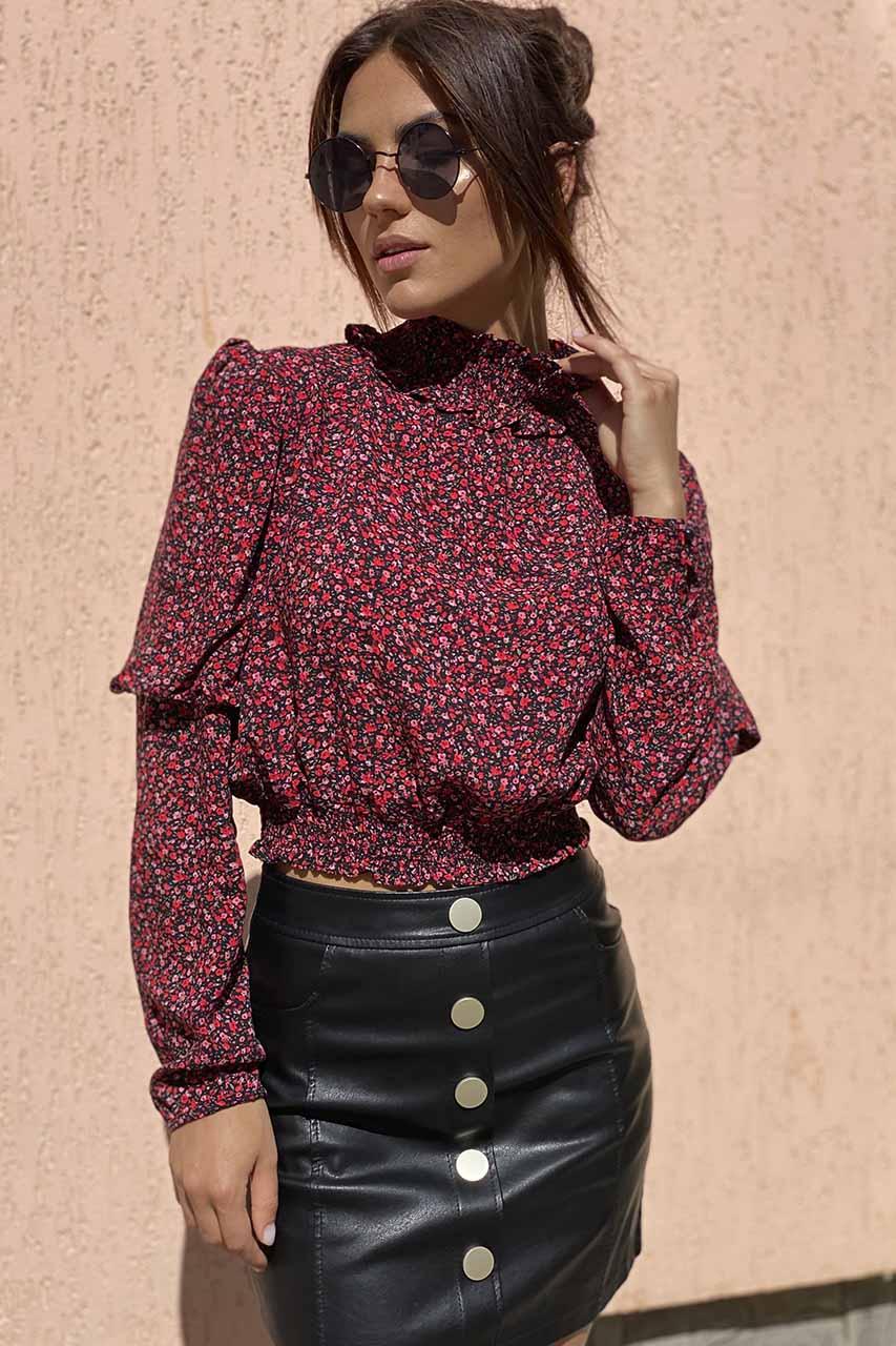 Укороченная блузка с эластичным воротником-стойкой Crep - красный цвет