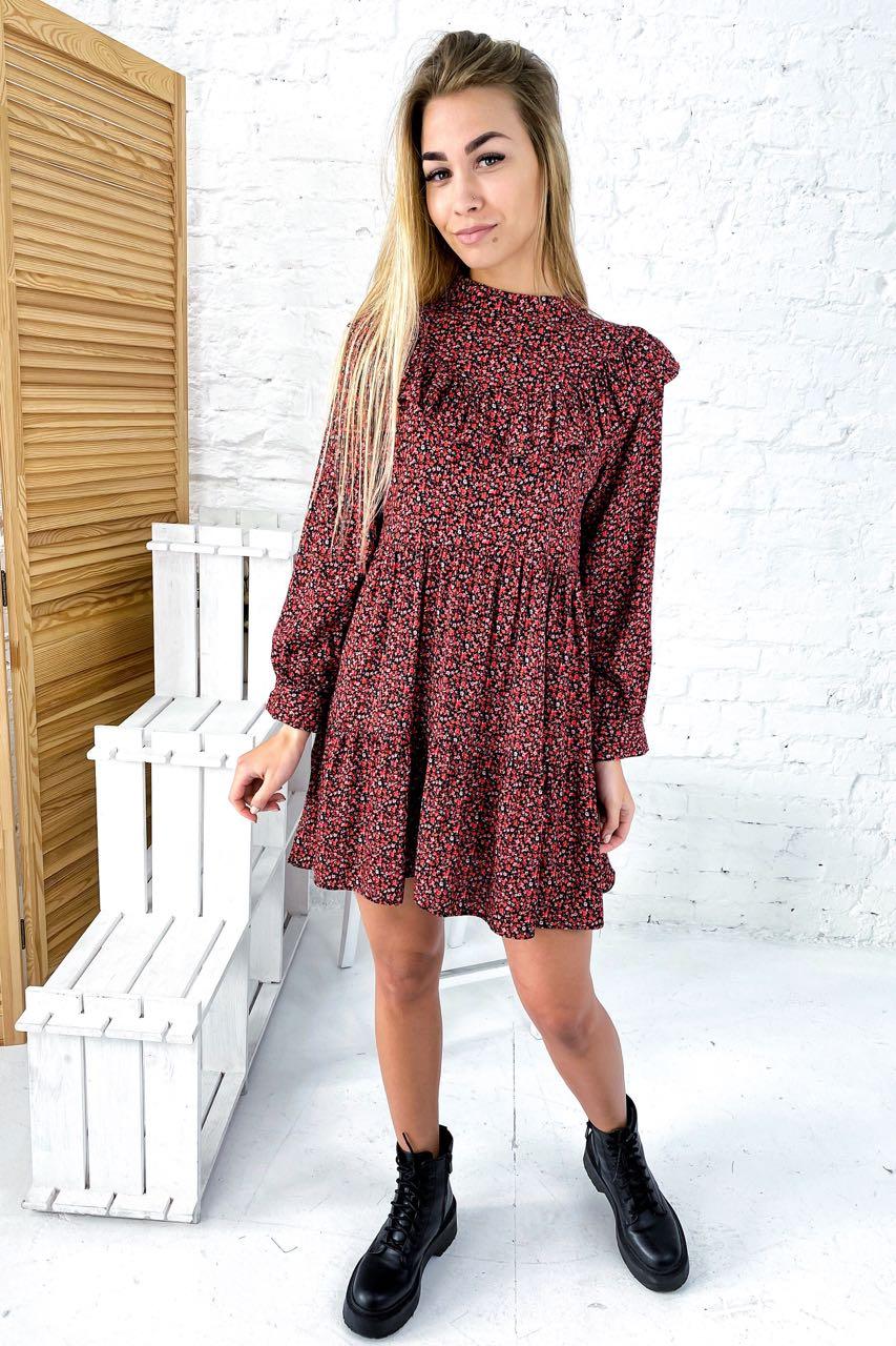 Платье с рюшами в мелкий цветочный принт Crep - красный цвет