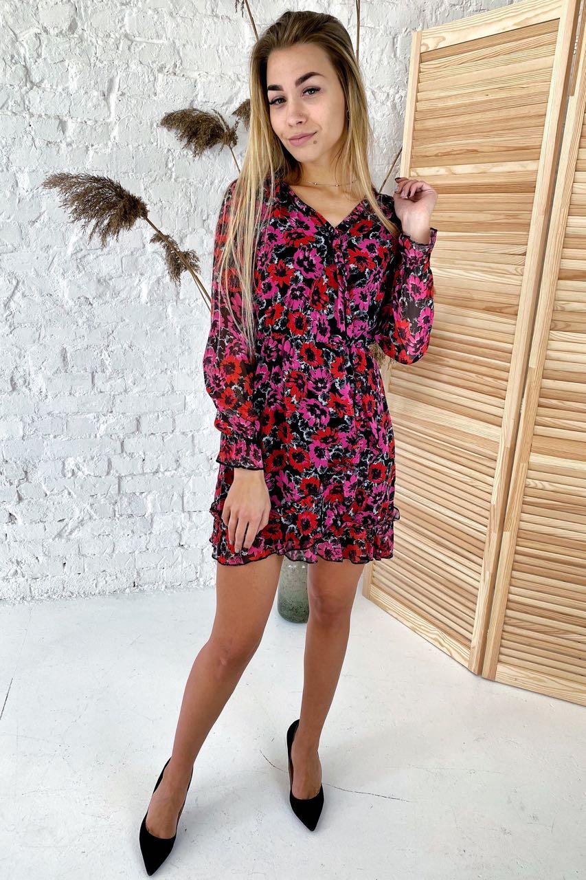 Шифоновое платье с сочным цветочным рисунком  Clew - розовый цвет
