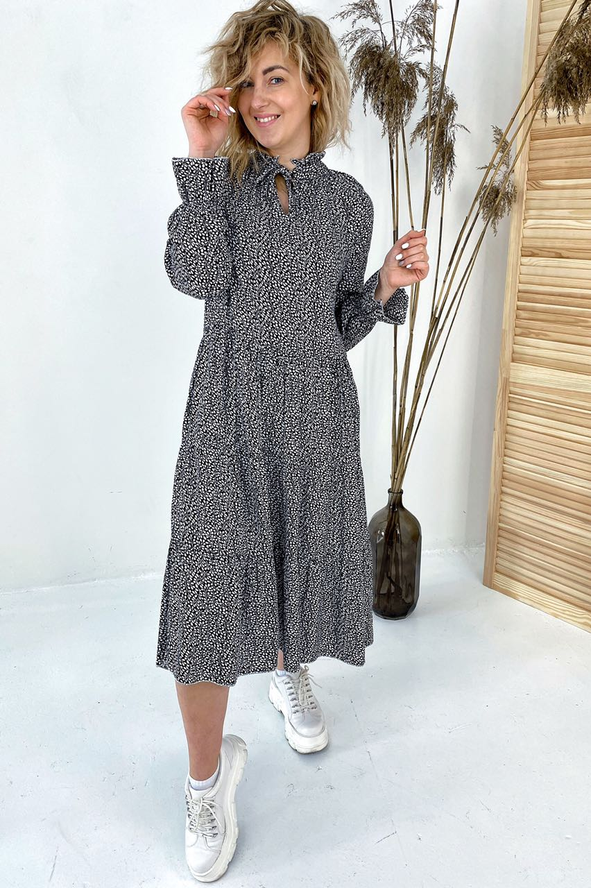 Необычное платье миди с флористическим узором  VOOL Style - черный цвет