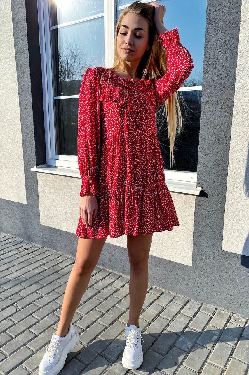 Стильное котоновое платье в мелкий принт с рюшами и пуговицами  VOOL Style - красный цвет