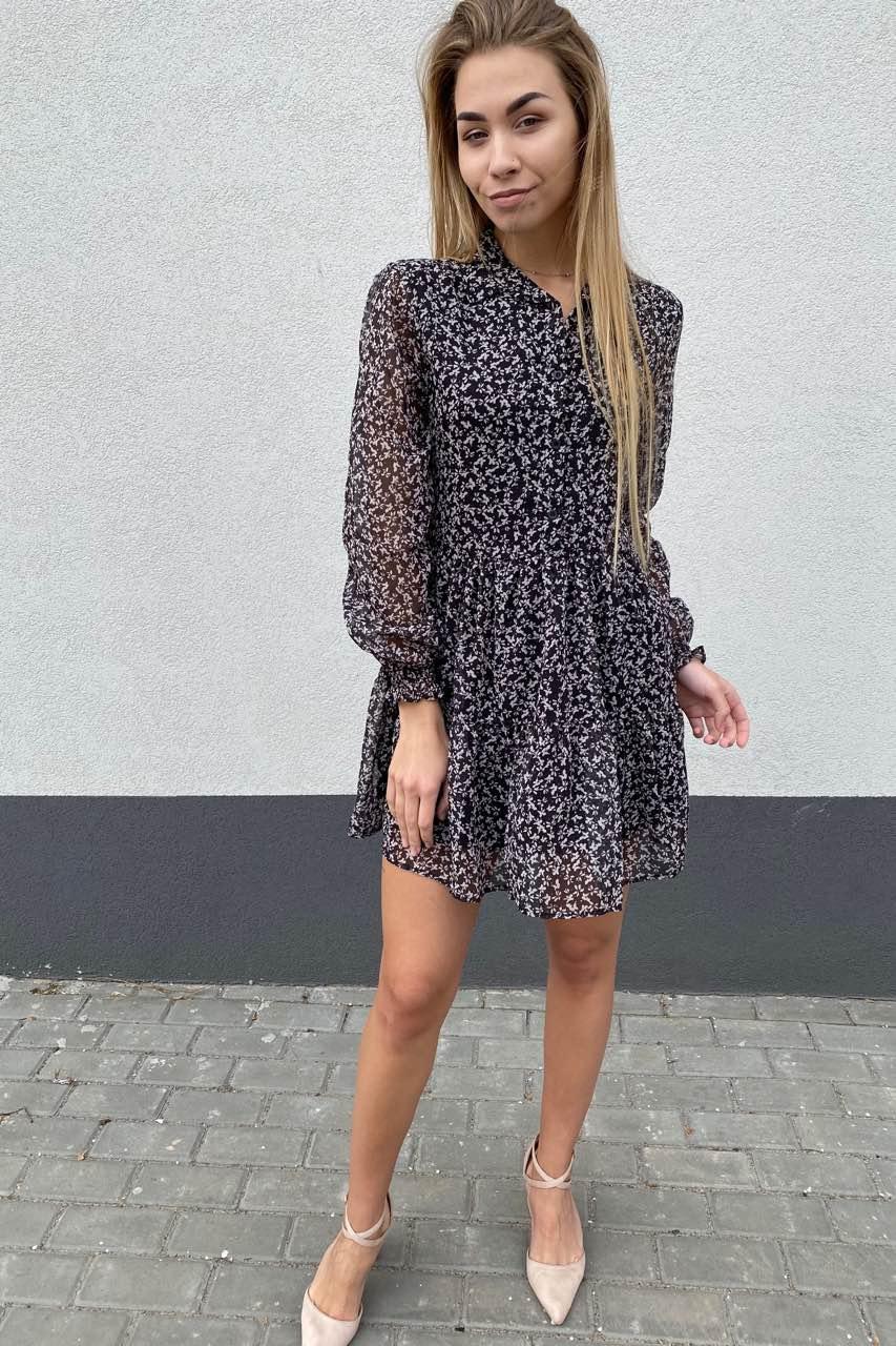 Стильное шифоновое платье – рубашка с юбкой в сборку  Clew - черный цвет
