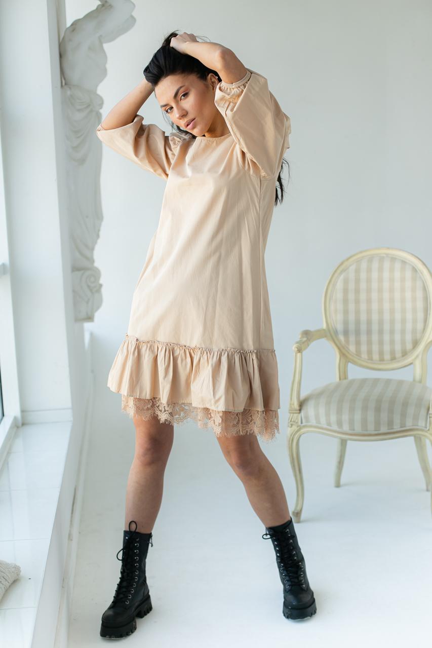 Романтическое платье over size с ажурной рюшей  PERRY - бежевый цвет