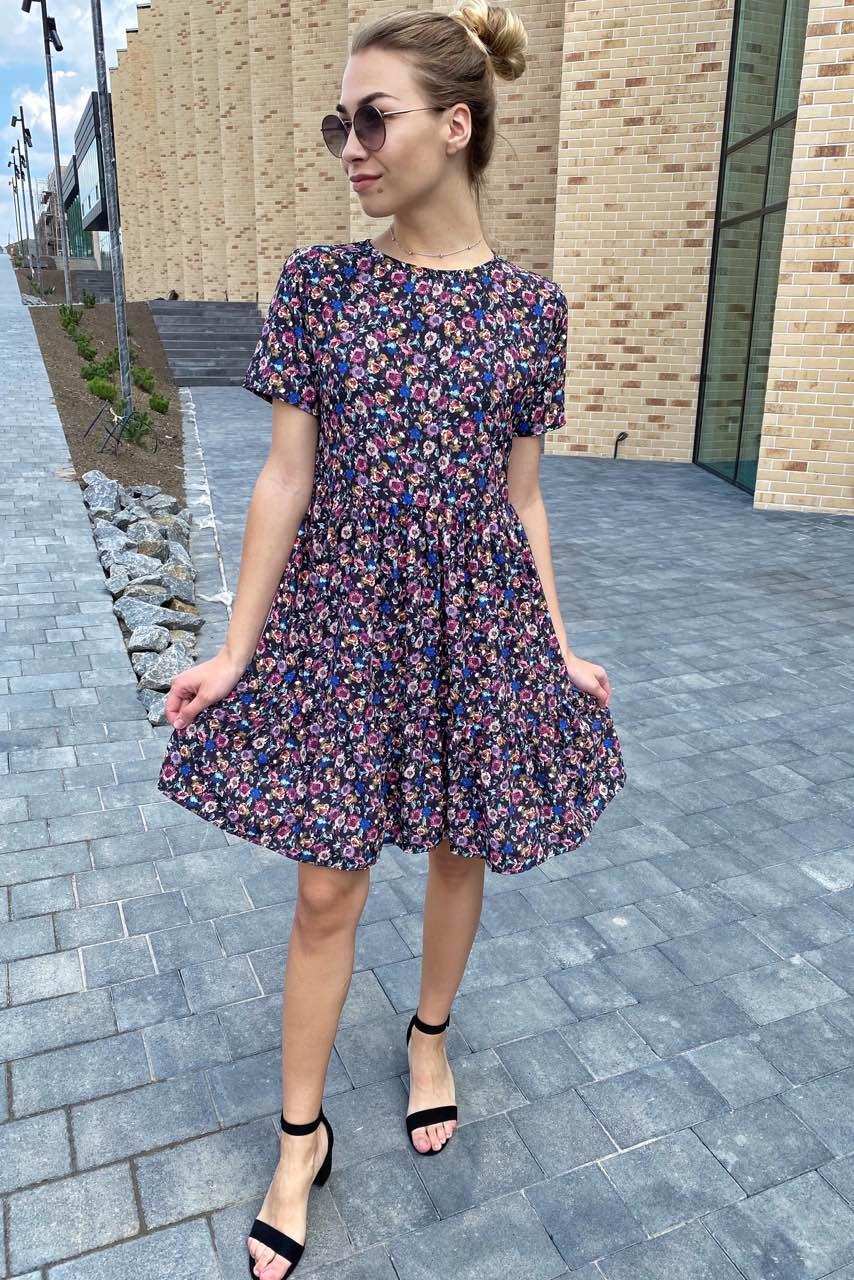 Цветочное летнее платье с сочным принтом  Clew - синий цвет