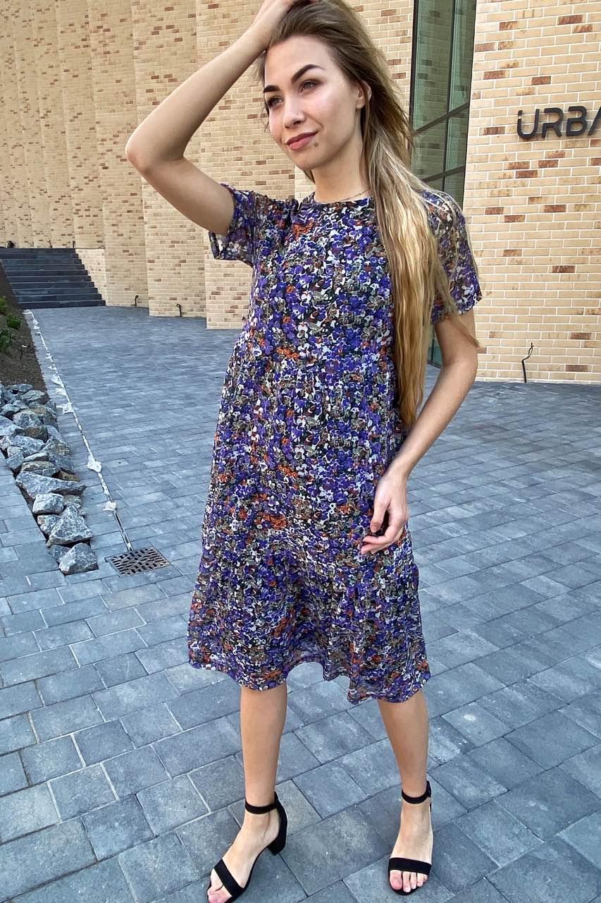 Летнее платье миди из сетки с принтом  - синий цвет