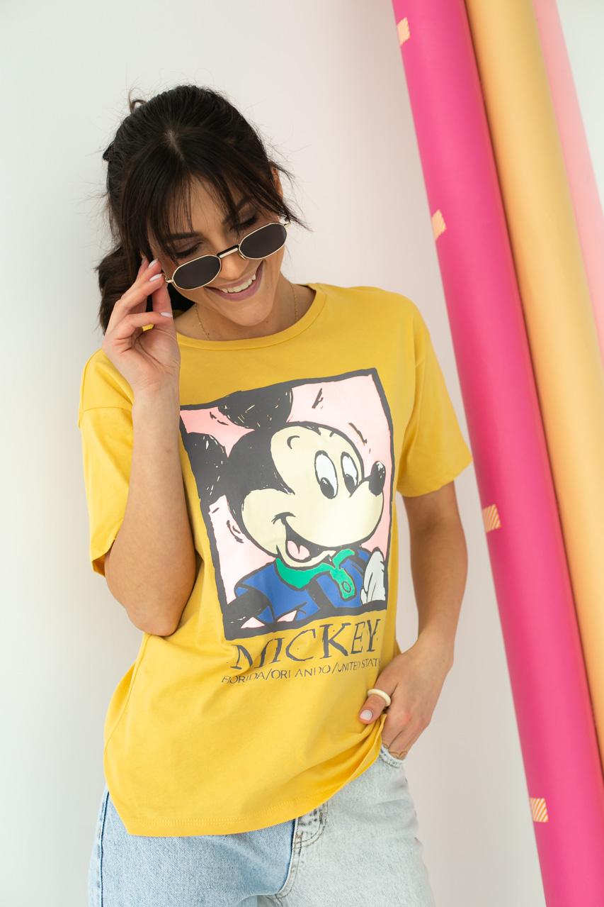 Хлопковая футболка женская с принтом Микки и надписью  LUREX - горчичный цвет