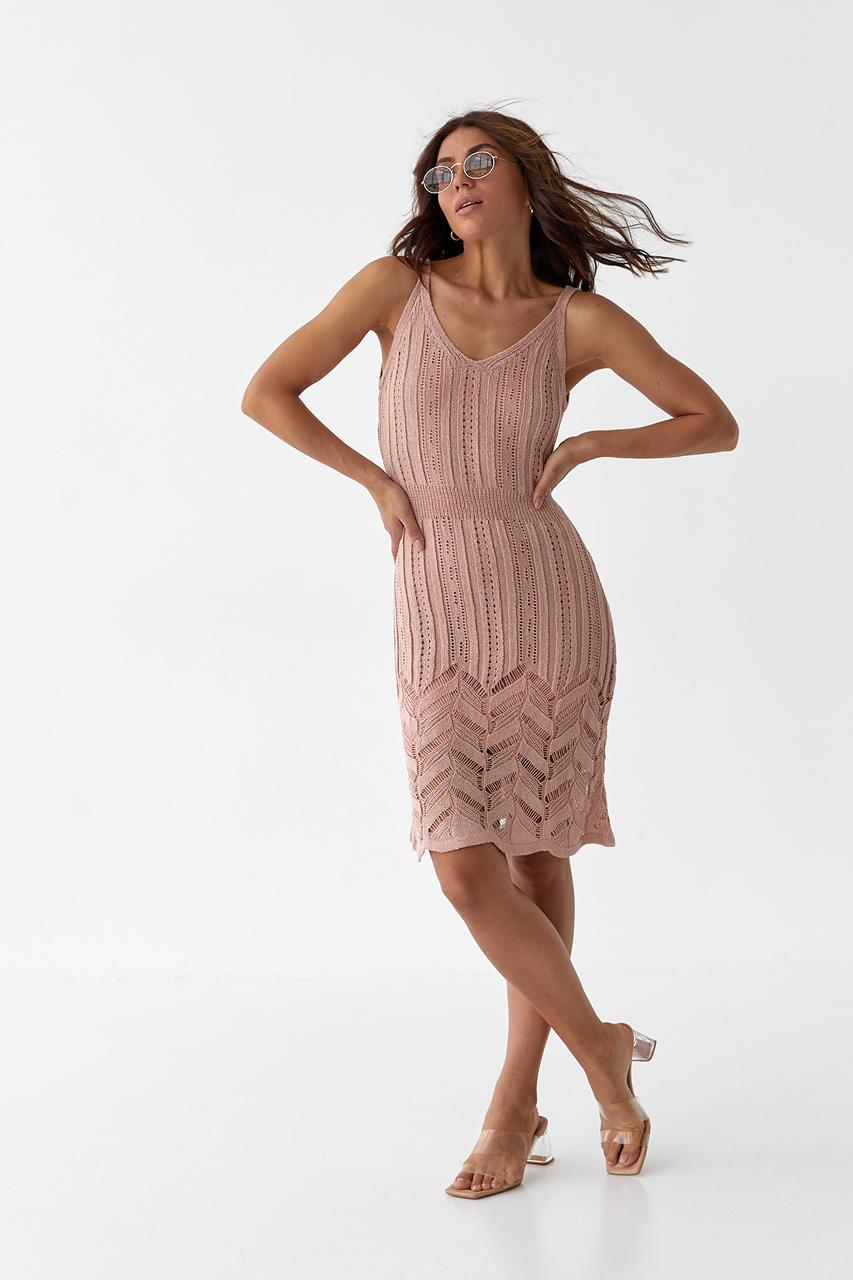 Модное летнее платье миди вязанное  Avrile - пудра цвет