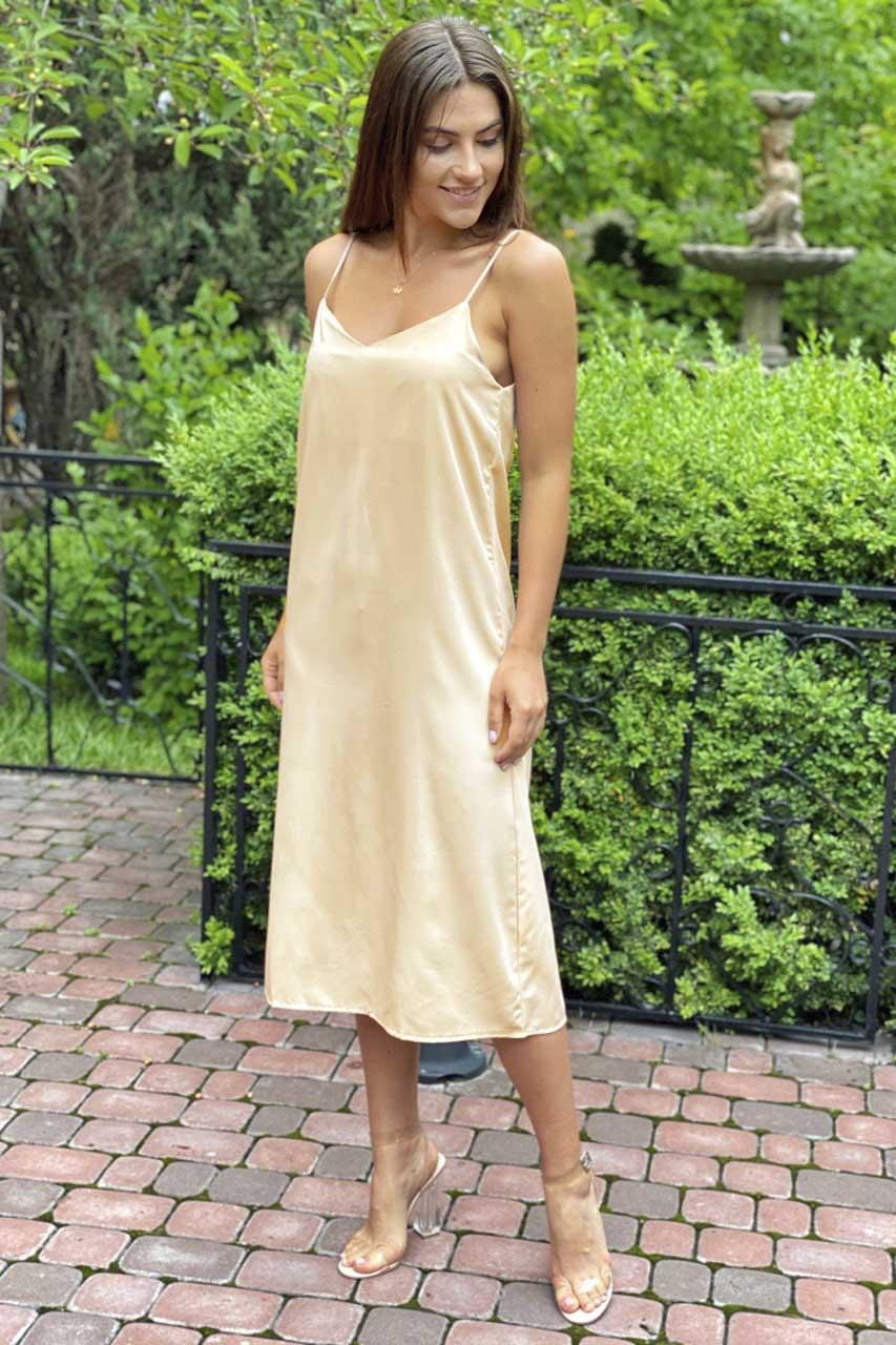 Платье-комбинация длины миди на тонких бретелях  Vistyle - бежевый цвет