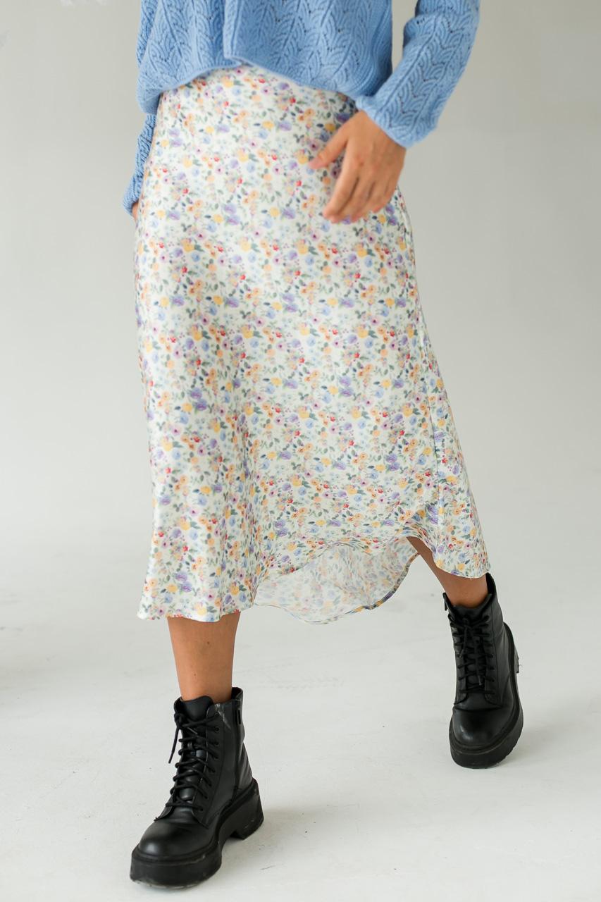 Атласная юбка миди с акварельным принтом  Crep - молочный цвет
