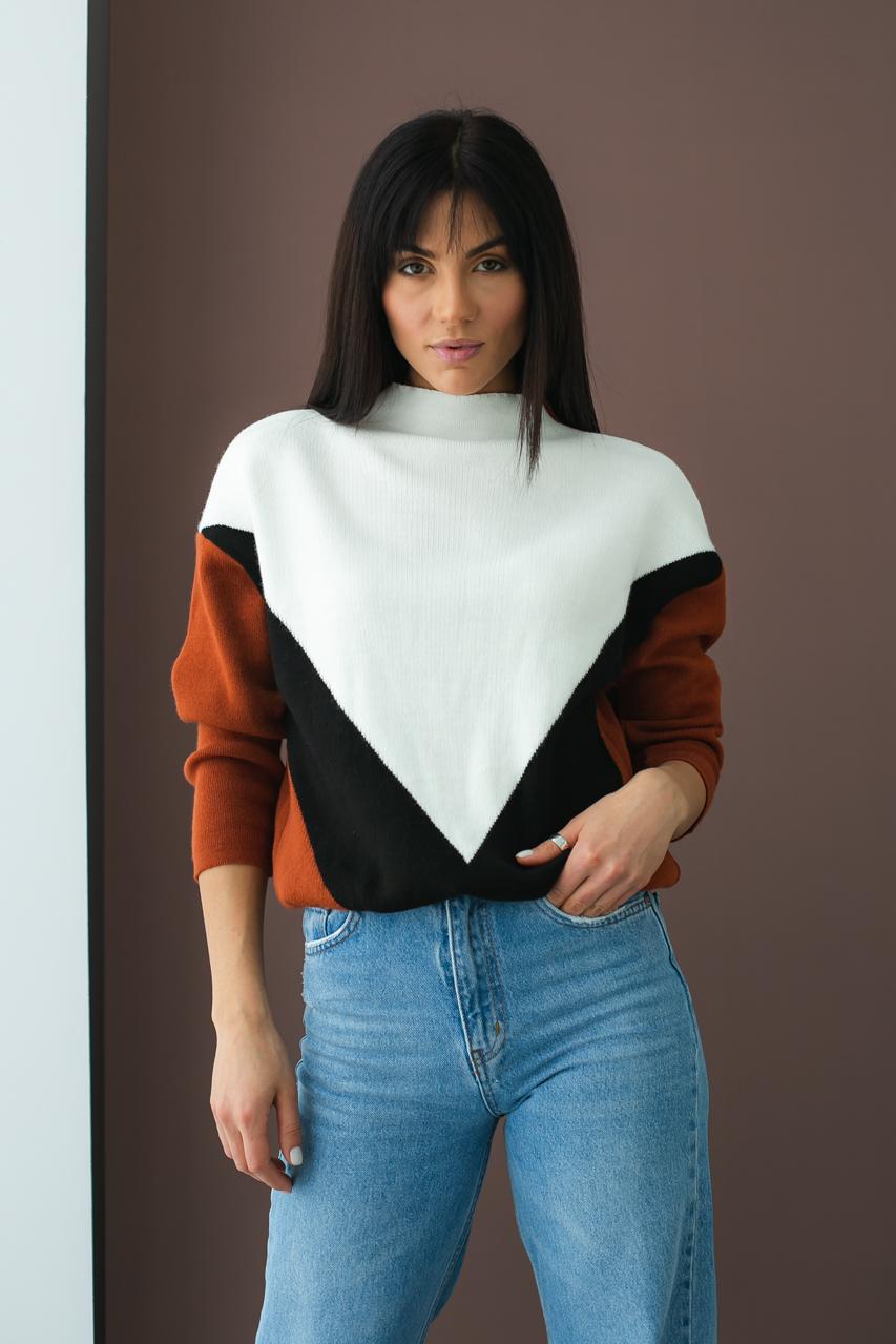 Триколірний светр з геометричним малюнком LUREX - теракотовий колір