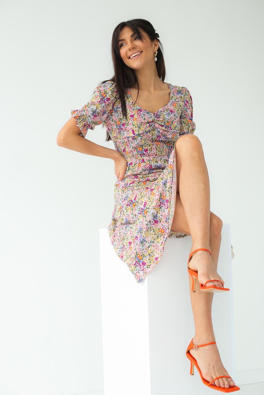 Квіткове плаття-міді з короткими рукавами SHENAZ - лавандовий колір
