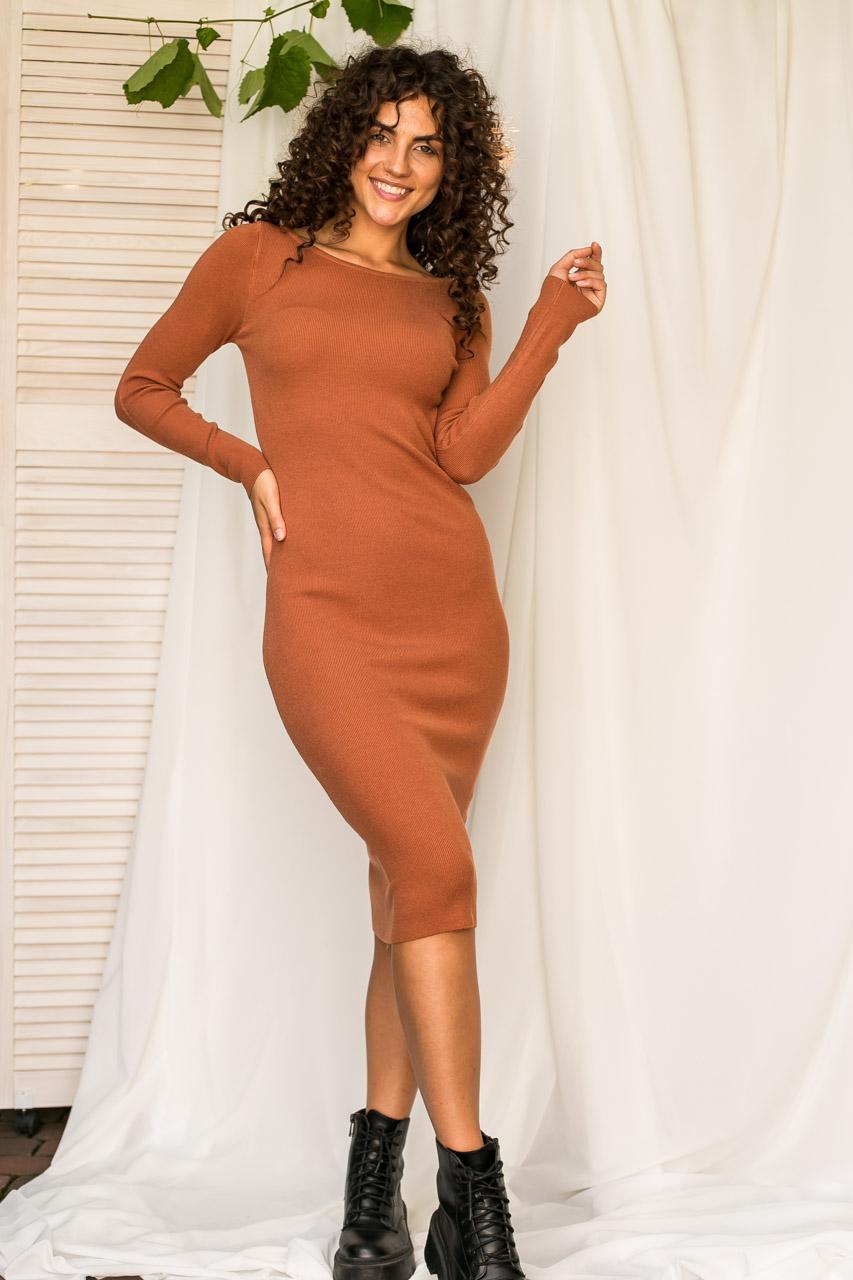 Спокусливе облягаючу сукню M. B. 21 - коричневий колір