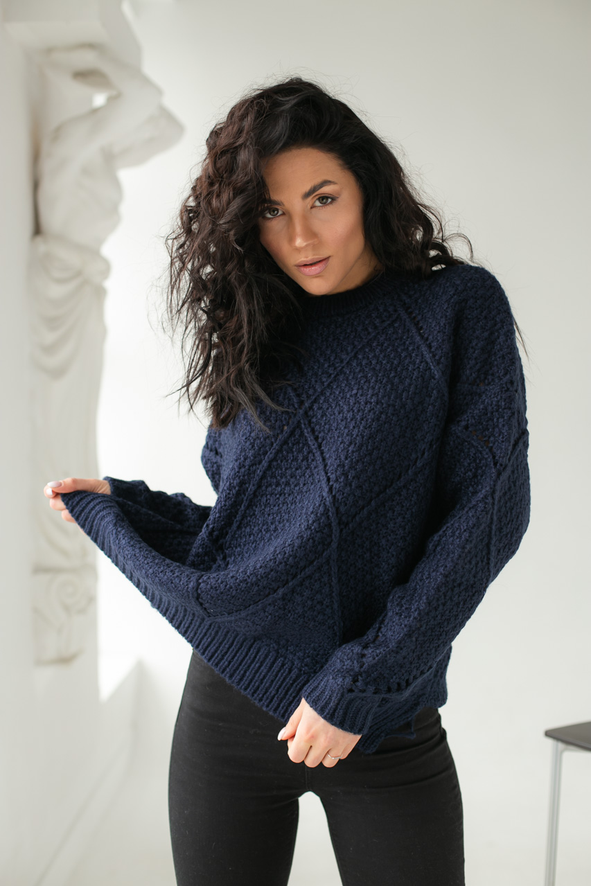 Теплый свитер крупной вязки ромбы LUREX - темно-синий цвет